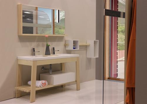 Bath-table-frassino-naturale-01